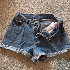 XS brandy Melville medium wash shorts
